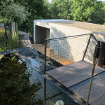biotop nad bazénem s vodopádem